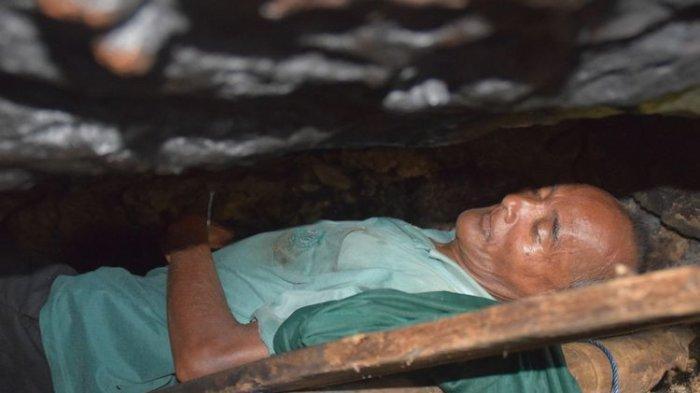 Tak Punya Rumah, Seorang Pria Tinggal di Goa 10 Tahun