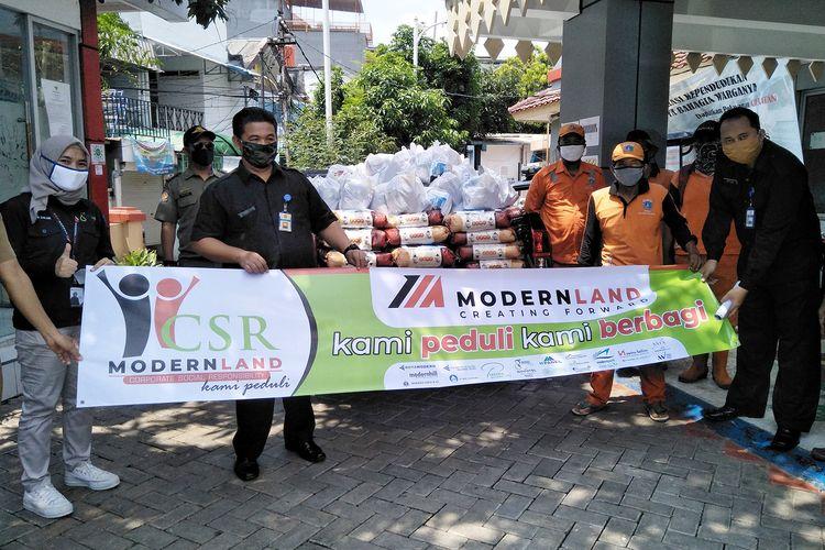 Ditengah Pandemi Covid-19, Modernland Salurkan Paket Sembako