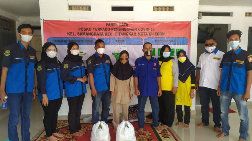 Aksi sosial Karang Taruna terkait pemberian bantuan sembako kepada warga isoman mendapat apresiasi. (Foto: Ist)