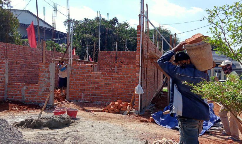 Progres pembangunan rumah di Kemang Eminance Bogor. (Foto: Anwar)