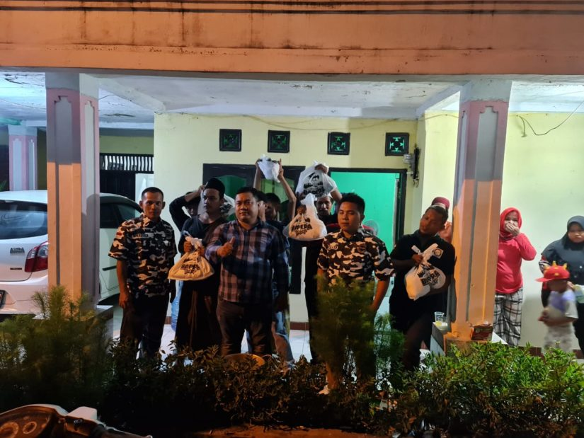 BAPERA Banten Bagikan Sembako di Serang!