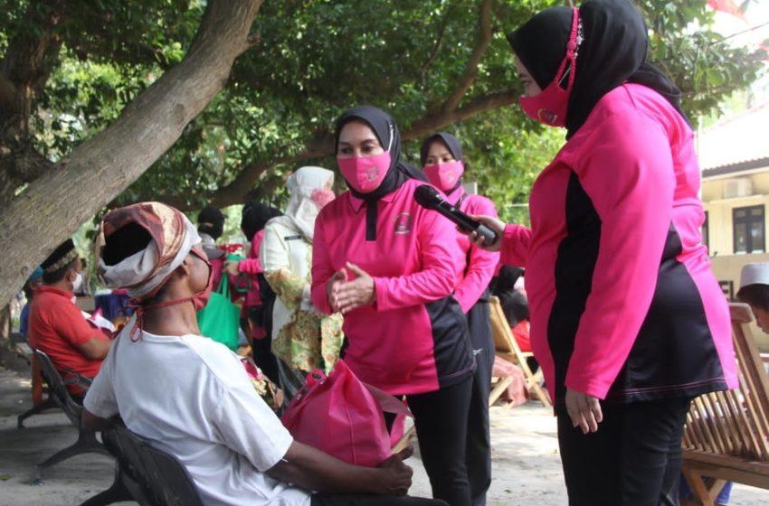 HKGB Ke-69, Bhayangkari Polda Metro Jaya Adakan Baksos di Pulau Tidung