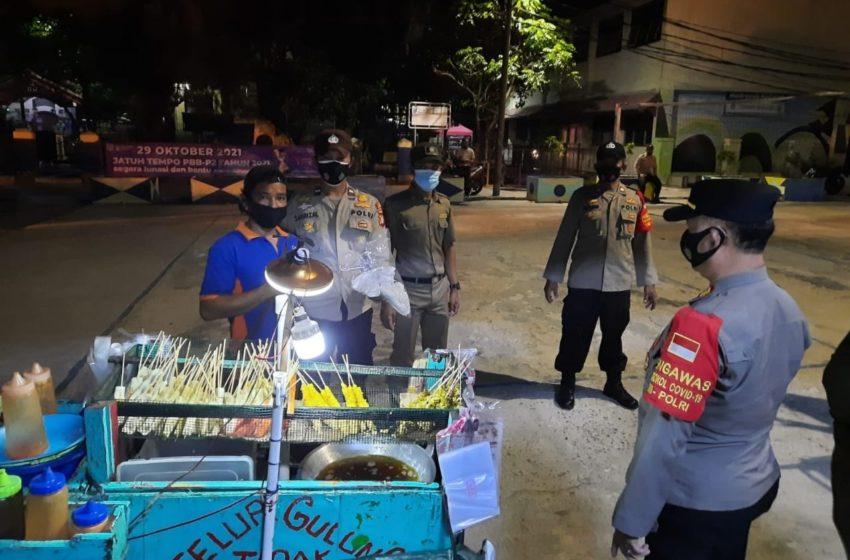 Kapolsek Kep Seribu Utara Pimpin Langsung Ops Yustisi Gabungan Malam